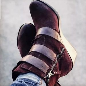 New! Woman's SOREL After Hours Wedge Boot! Sz 5.5